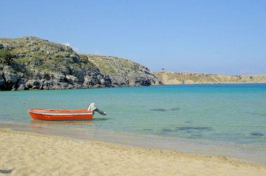 La plage de Lindos à 56 kms de Rhodes en Grèce. © Amélie VILLERS
