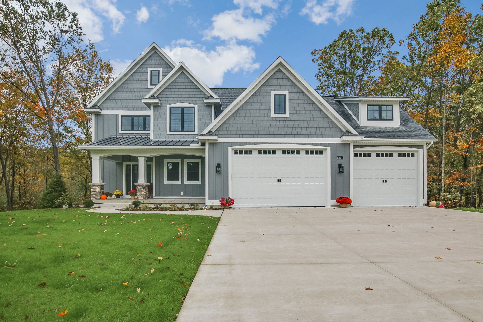Front Elevation With Granite : Mastic deep granite siding ont elevation new house