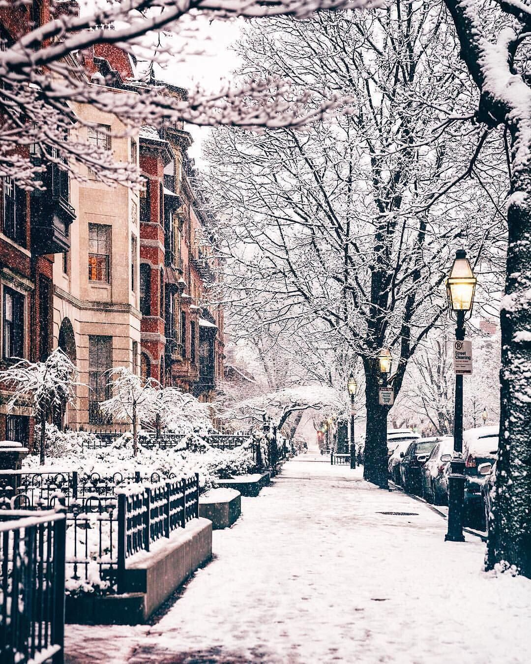 "Photo of BEAUTIFUL DESTINATIONS on Instagram: ""Strolling the snowy streets of Boston ❄️ (📷: @yanan.aurora)"""