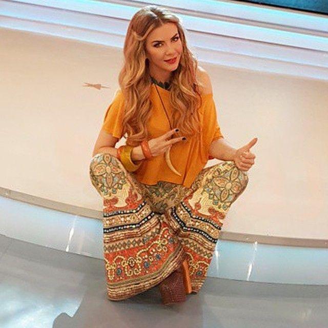 Azza Vera Azzaveraworld Dear Ivana Sert I Instagram Photo Websta Women Wear Fashion Wide Leg Jeans