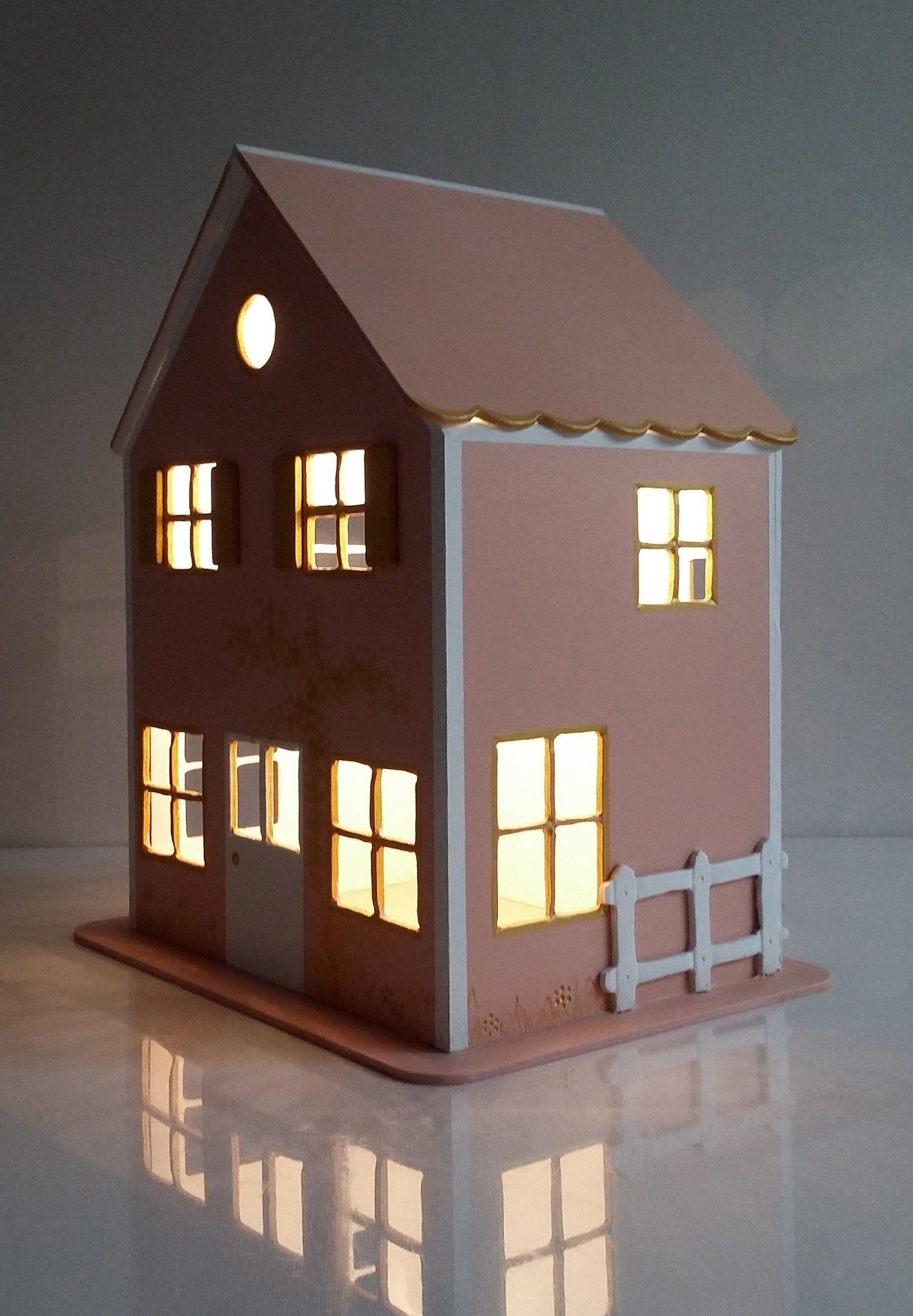 Maisonnette veilleuse en bois pour chambre d enfant Eclairage