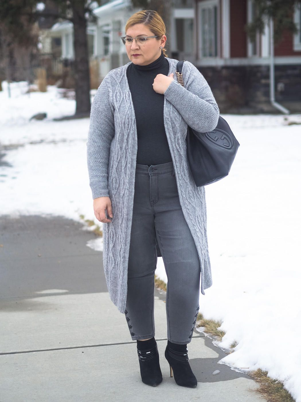 6d8d28d7f All grey outfit, skinny jeans, Gucci, cardigan, knitwear, winter fashion,
