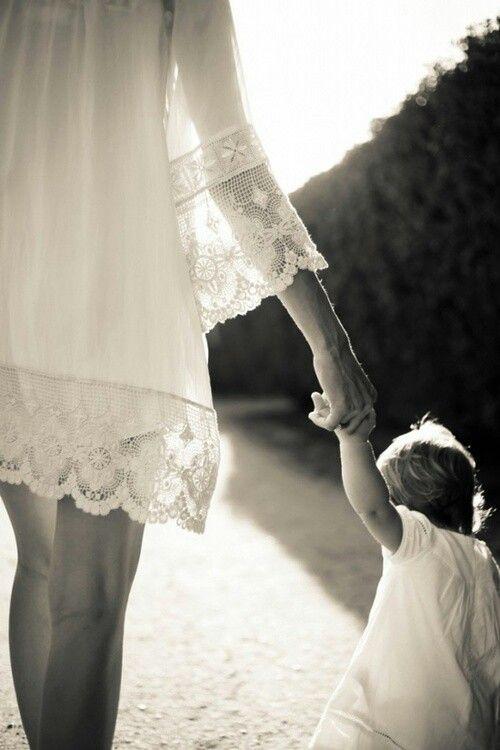 Картинки мама и дочь со спины