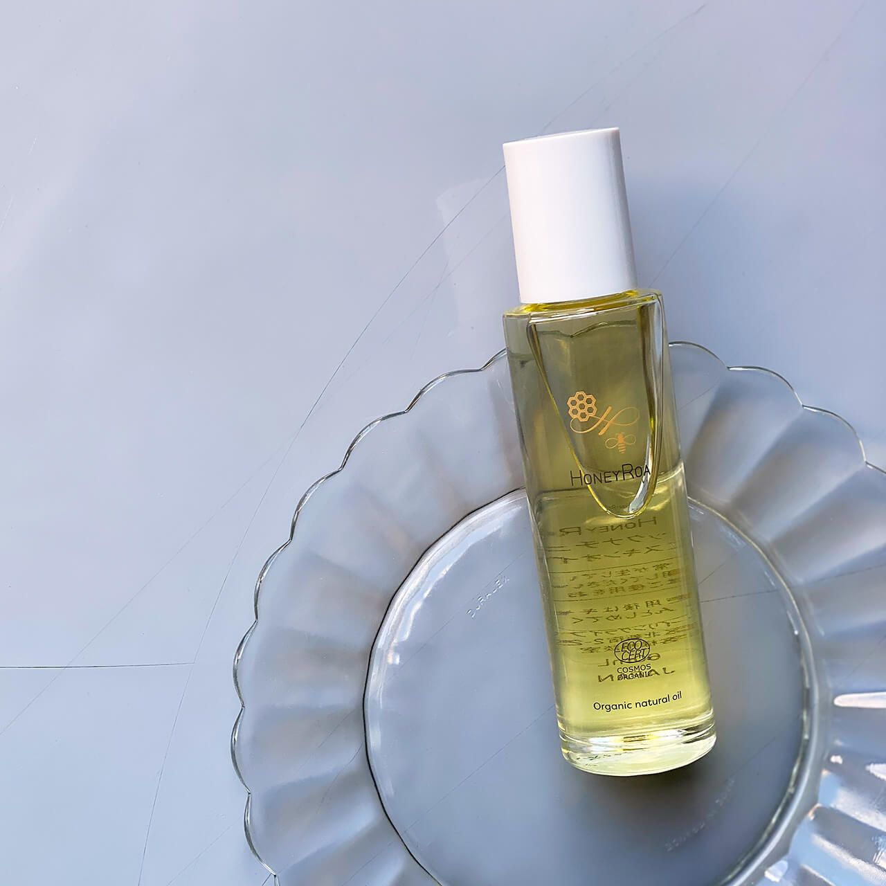 Photo of 保湿、マッサージ、ヘアスタイリングなど、全身にマルチに使える! ハニーロアの癒やしのオーガニックオイル | LEE