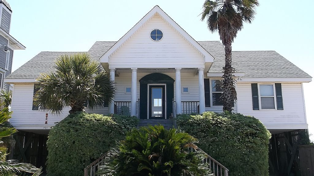 Marvelous House Vacation Rental In Folly Beach Sc Usa From Vrbo Com Home Interior And Landscaping Mentranervesignezvosmurscom