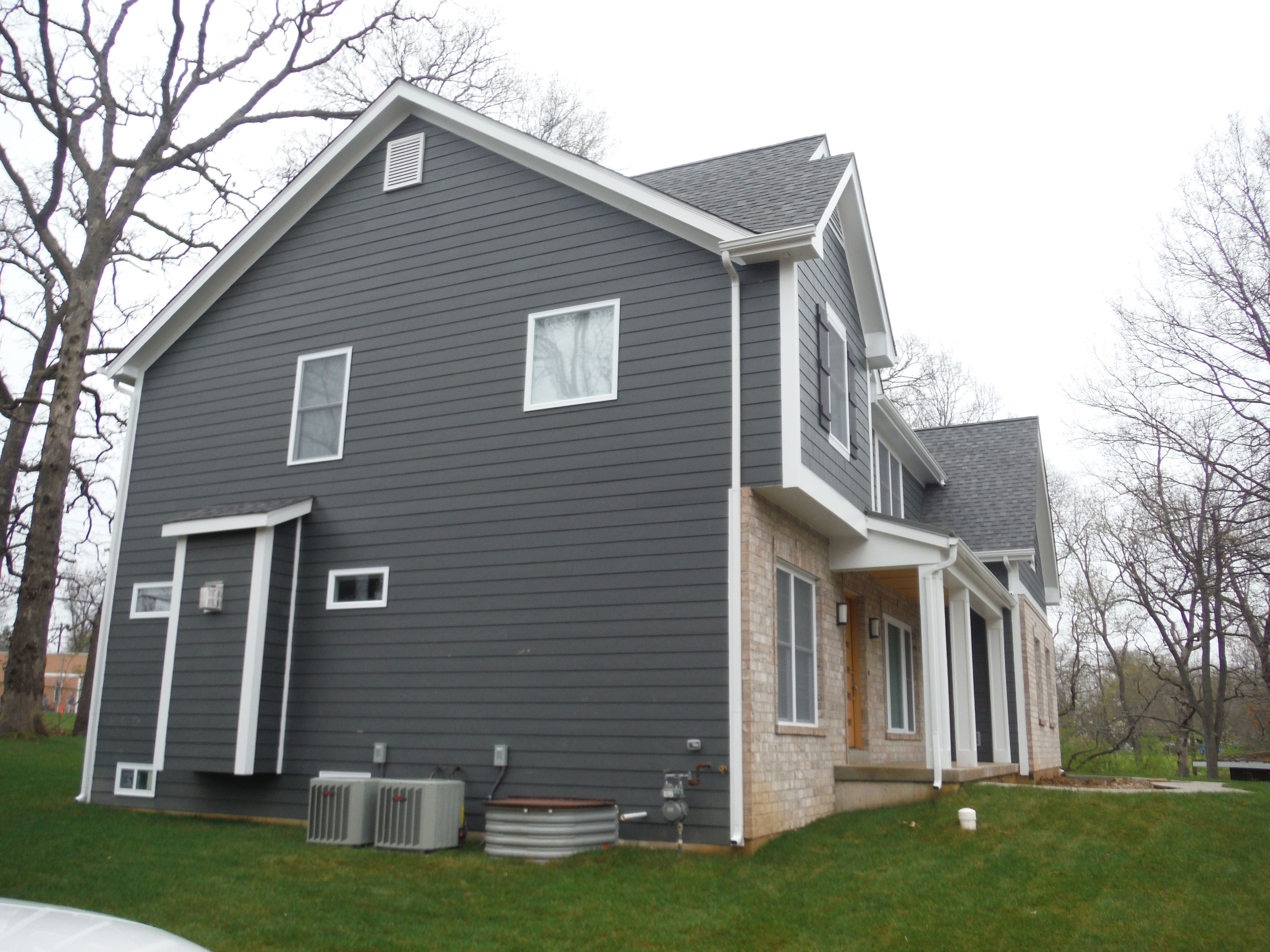 West Side Of The House In Hardieplank Iron Gray 7 1 4