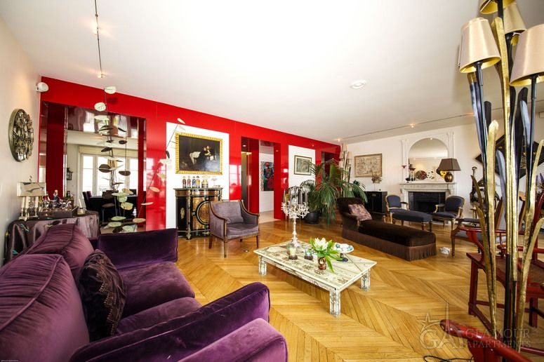 Large Paris luxury apartment for rent. This is an admirable five-room apartment in the respectable 16th district of the French capital.