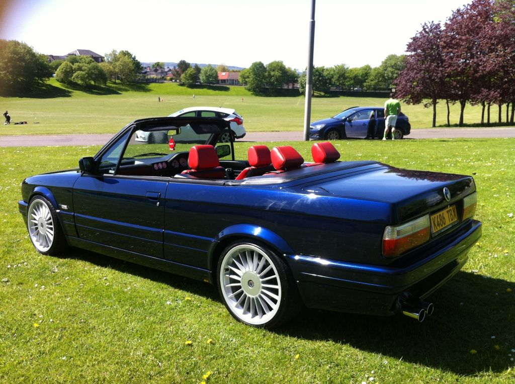 bmw e30 318i convertible lux 3800 glasgow car now sold. Black Bedroom Furniture Sets. Home Design Ideas