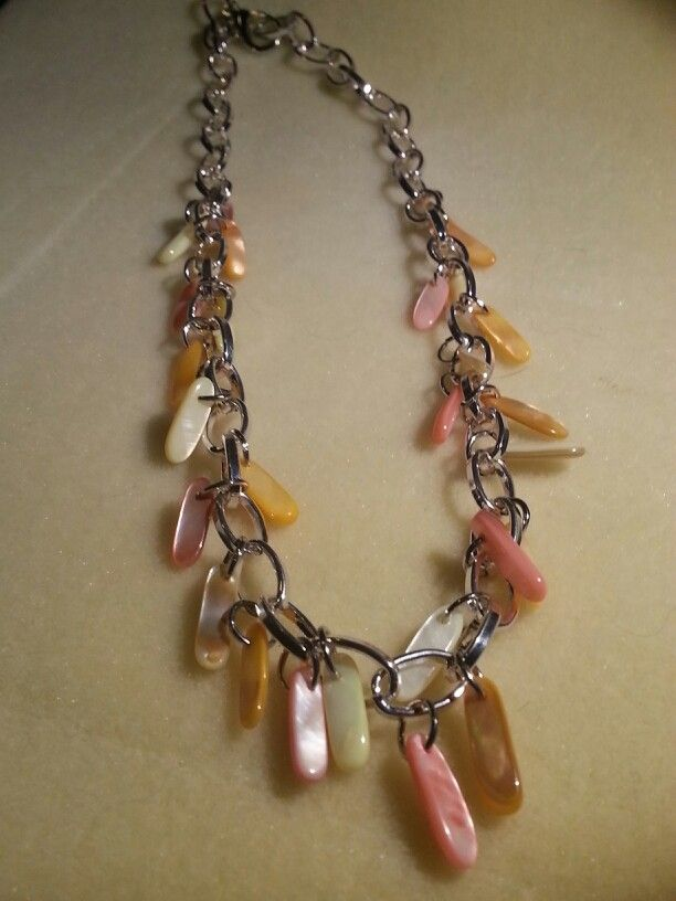 Long shell chip dangle necklace