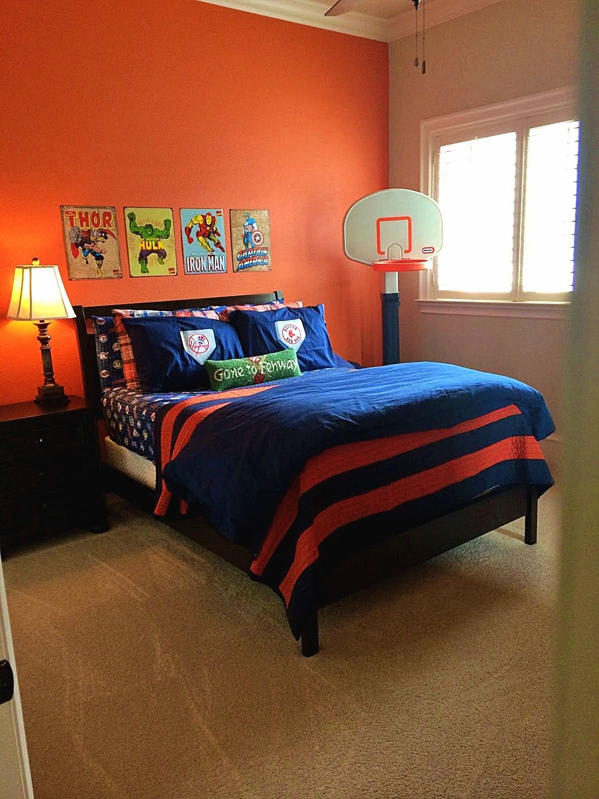 Boys bedroom stuff and decor that grows with your child