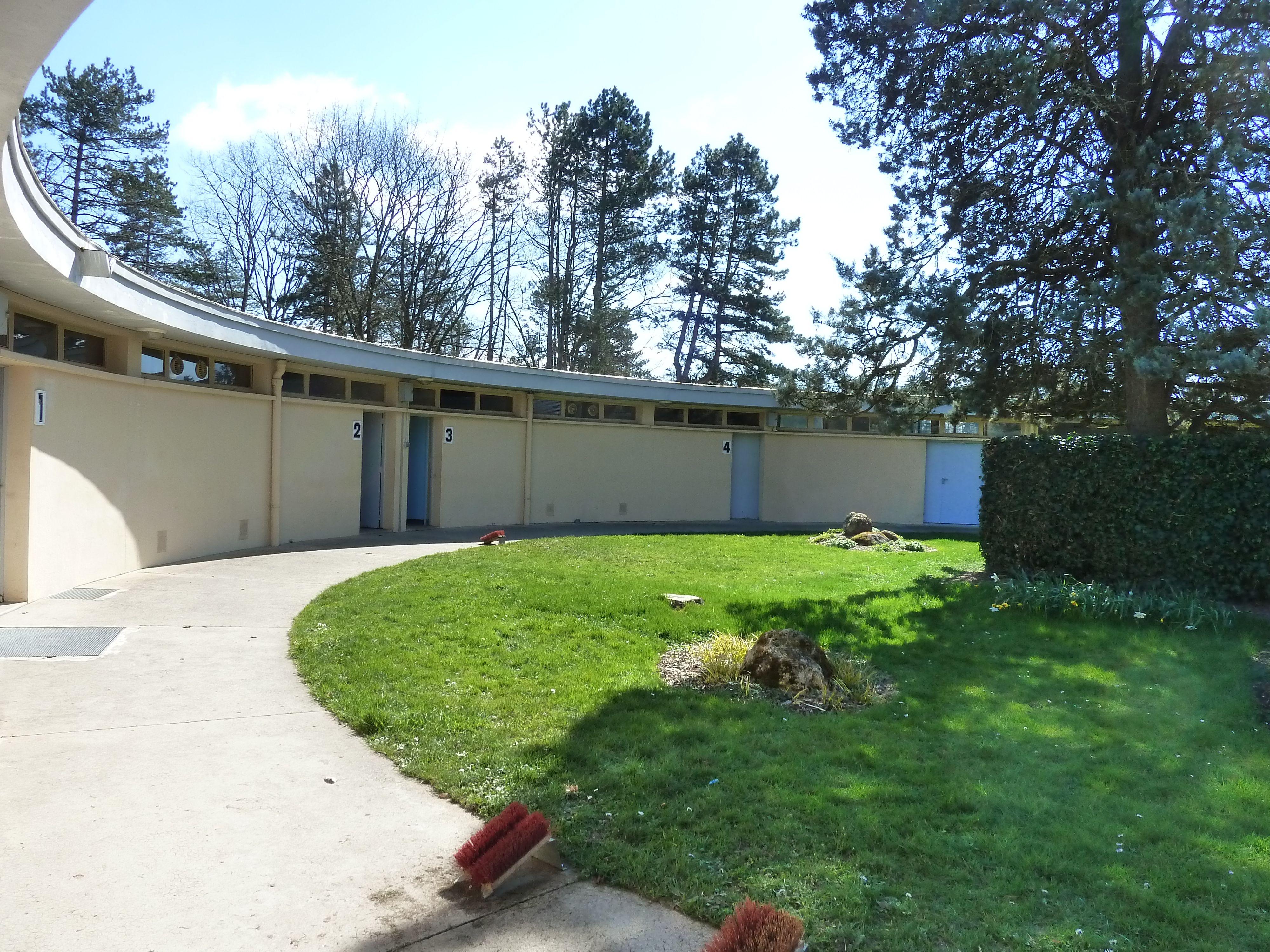 Vichy - parc omnisports - Rotonde de tennis - vestiaires