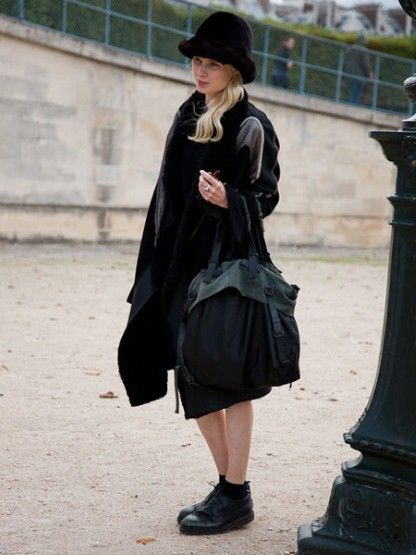 Add a hat and carry-all bag for a daytime ready all-black outfit #SuccessfullyStyled