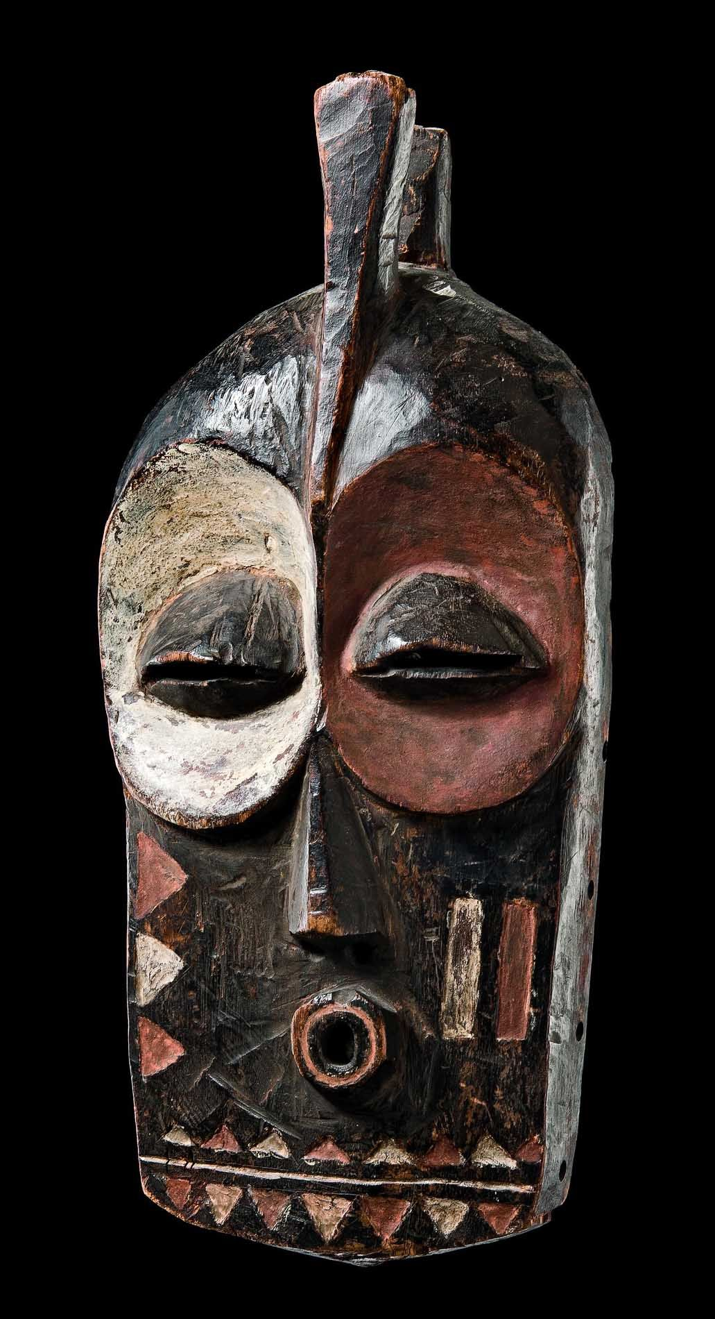 africa mask kolyulyu from the bembe people of dr congo. Black Bedroom Furniture Sets. Home Design Ideas
