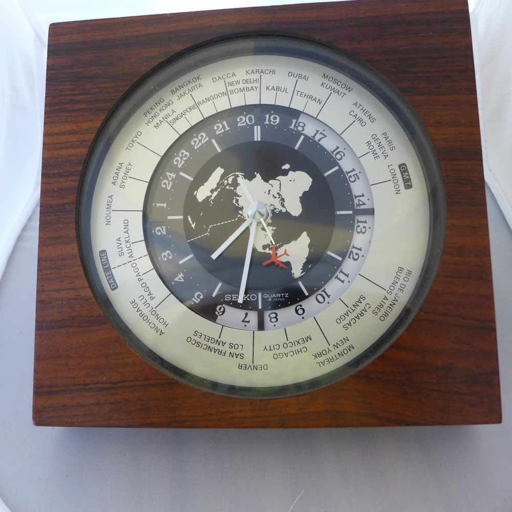 Seiko World Time Vintage Quartz Gmt Airplane Second Hand Wood Desk