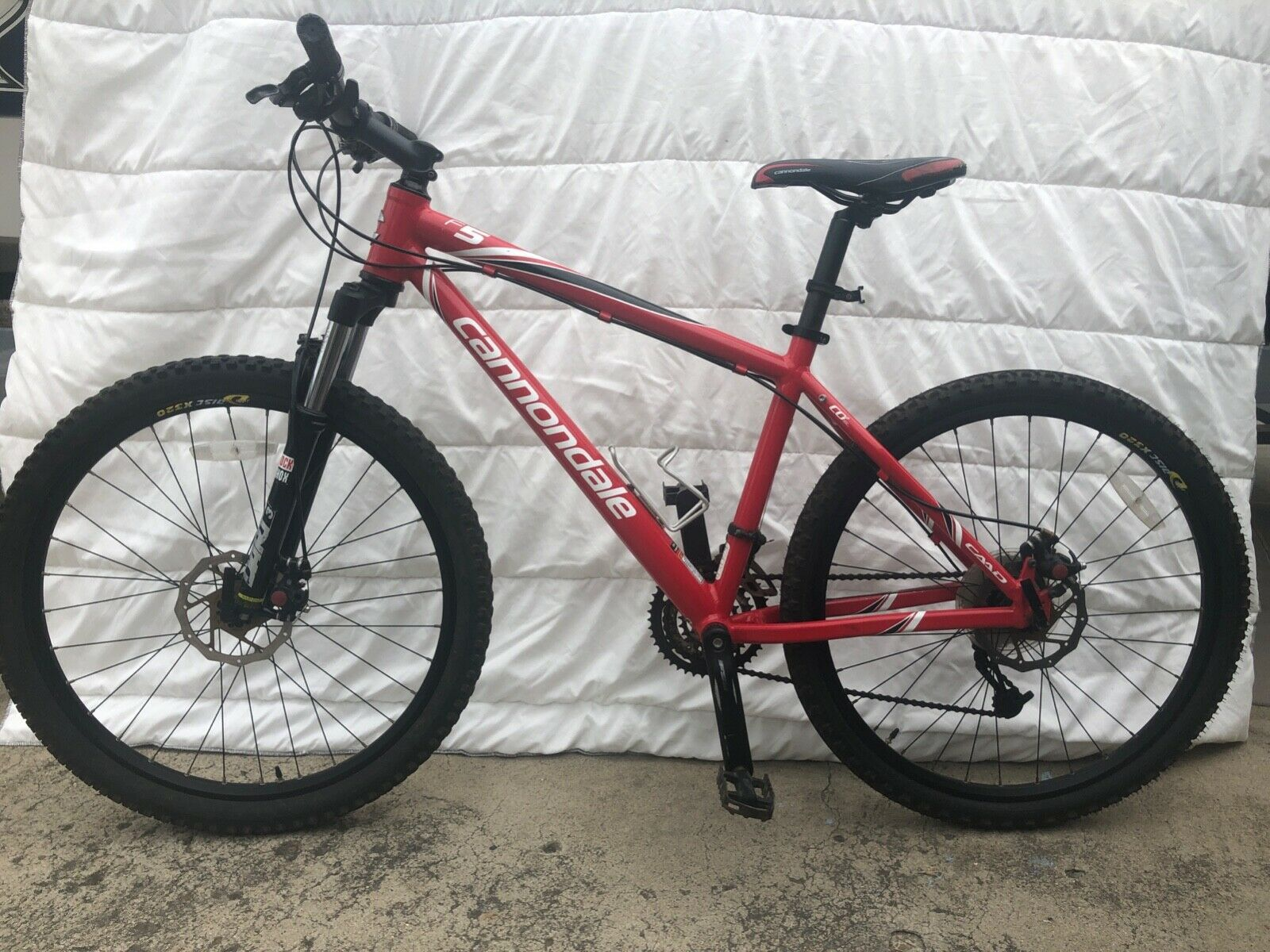 Red Cannondale F5 Trail Mountain Bike 26 Tires Very Good