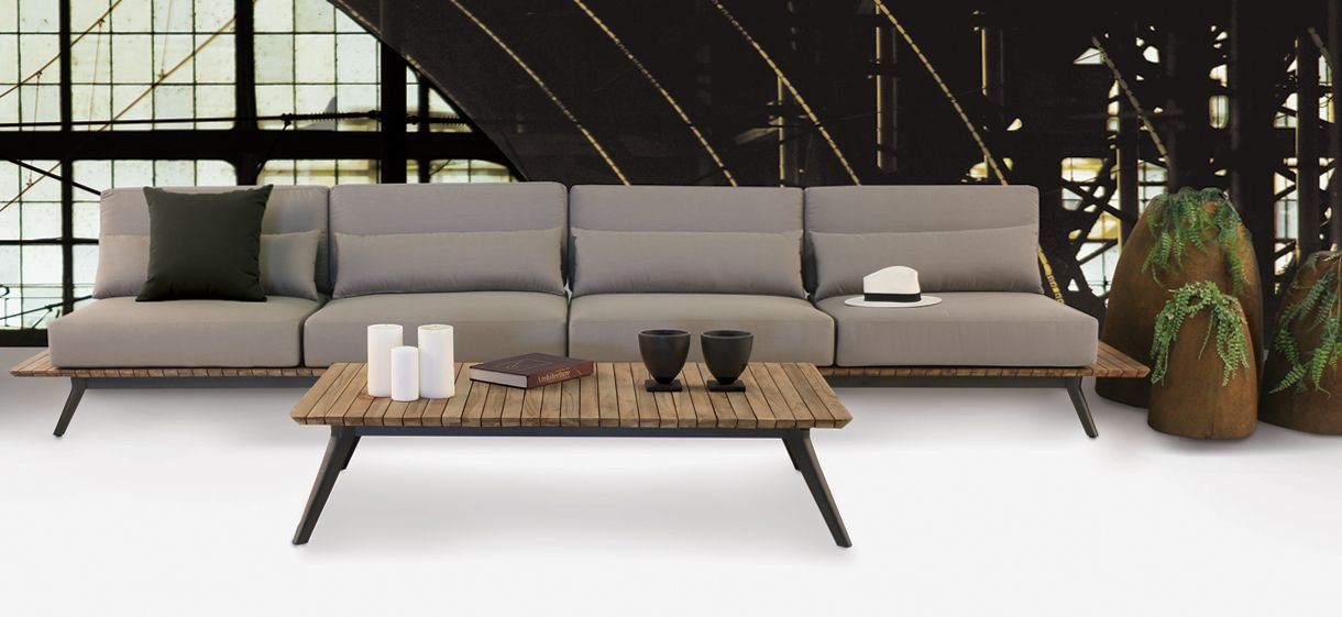 Get ready for an outdoor sofa sectional like you have never seen before. We created a sectional that offers more space while keeping the integrity Platform sofa