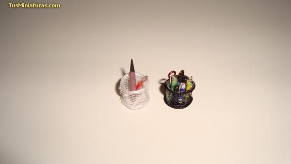 """Forum dollhouses and miniatures :: View topic - Tutorial """"mesh"""" pencil holder...oh so cute"""