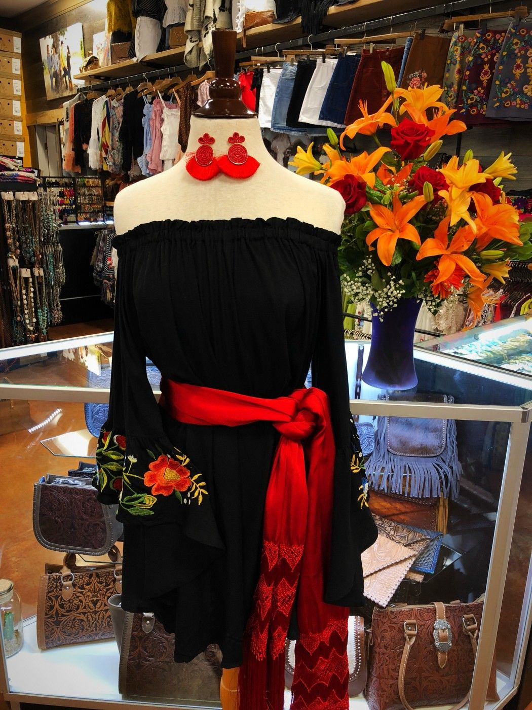 Off The Shoulder Dress With Rose Floral Embroidery Bell Sleeves Black Ale Accessories Mexican Style Dresses Mexican Outfit Fiesta Dress [ 1400 x 1050 Pixel ]