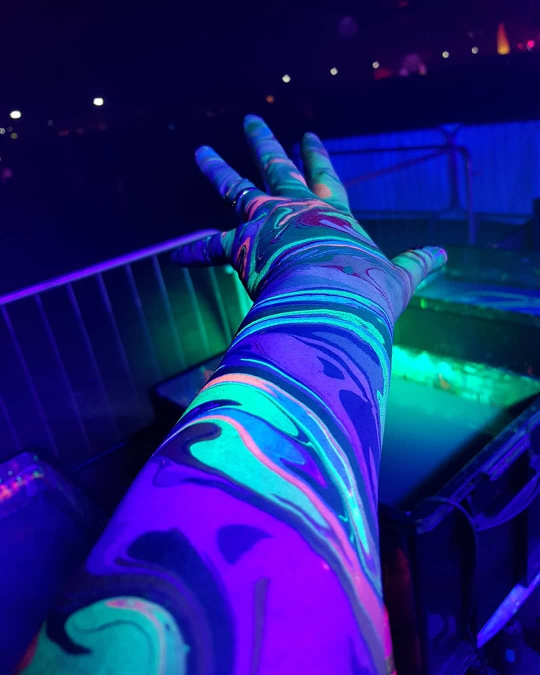 Highlights From Our Most Resent Pieces Of Walkingart Fubl Bodymarblinguk Psychedelic Pattern Festival Lights Body