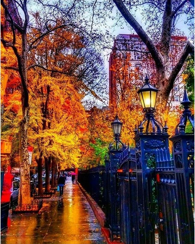 Manhattan New: Gramercy Park, NYC In The Fall