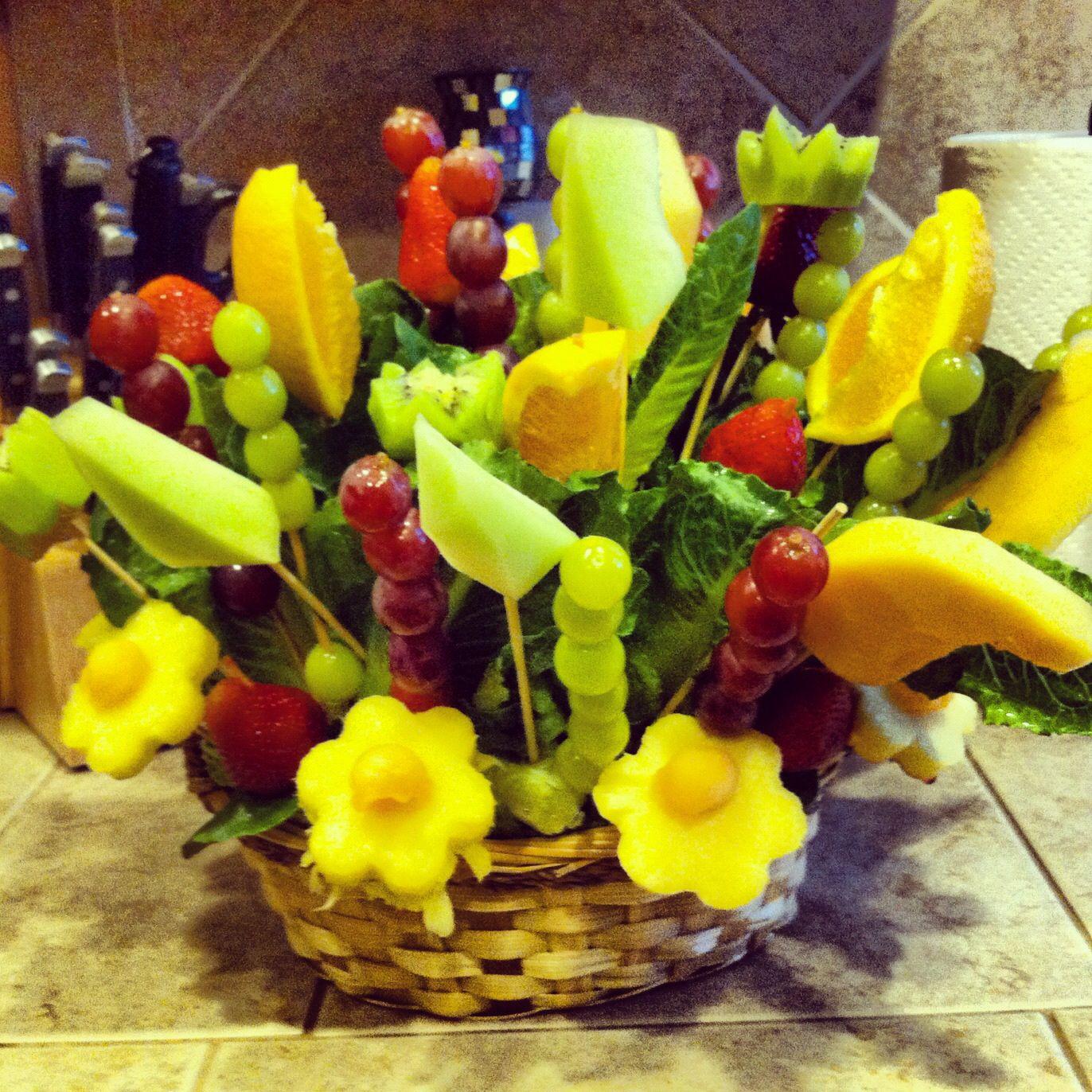 DIY Fruit basket | Fruity Ideas! | Pinterest | Fresh fruit ...