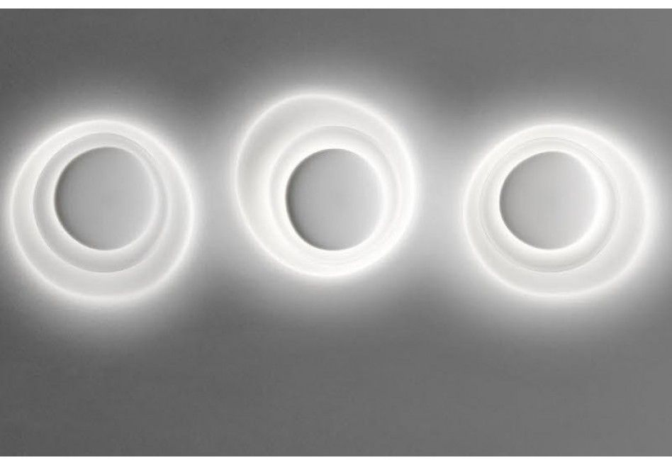 Foscarini bahia parete in light lighting