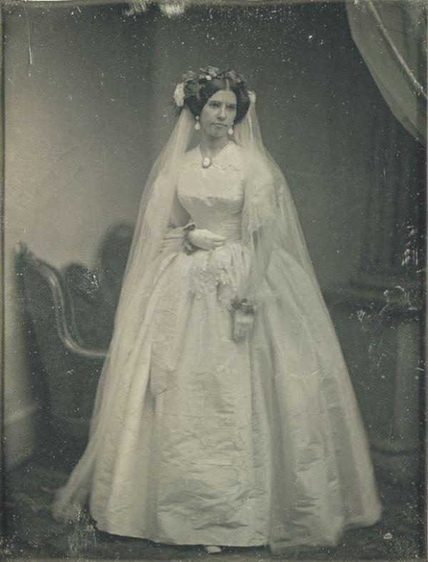 Exquisite Wedding Dresses Of The 1800s 6 14 Victorian Wedding Dress Victorian Wedding Wedding Gowns Vintage