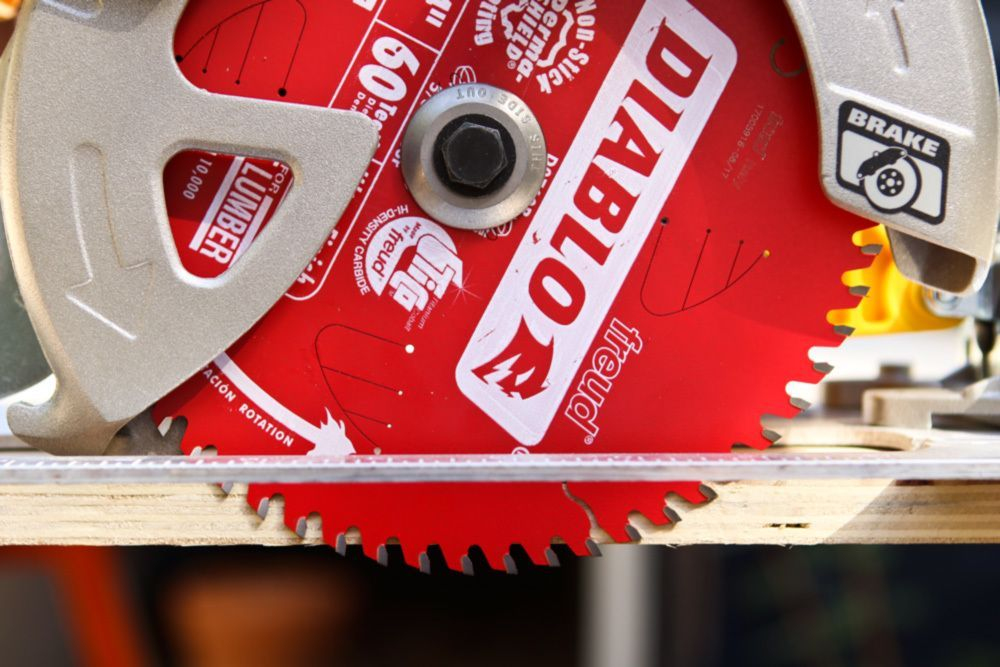 Table Saws How To Use A Circular Saw Setting The Blade Height The Thin Layers Of Plywood Can Often Spl In 2020 Table Saw Sewing Machine Table Diy Woodworking Crafts