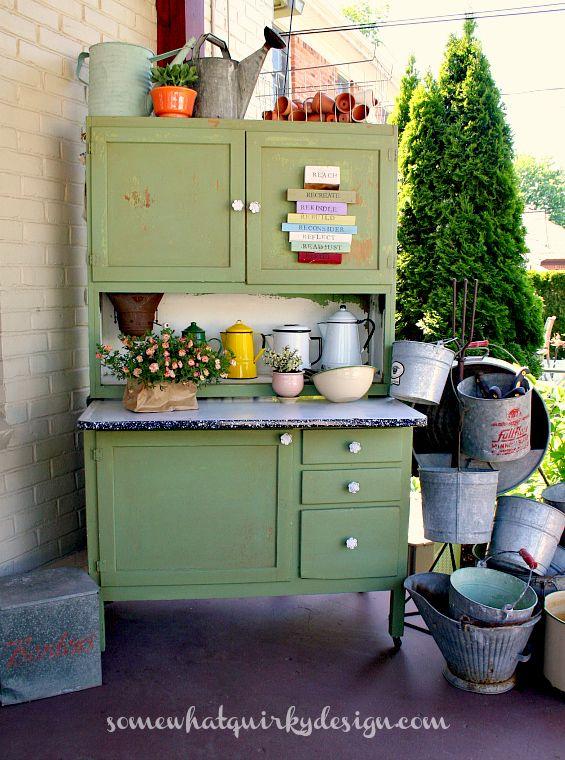 Credenza per utensili da giardinaggio #giardinocreativo