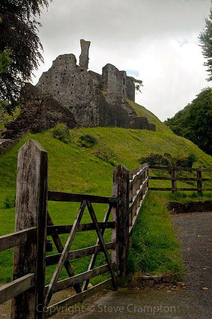 Okehampton Castle Built Between 1068 1086 By Baldwin Fitzgilbert Located In Devon England By Steve Crampton Photography Devon England England Castle