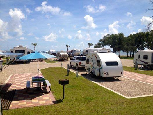 Enjoying A Gorgeous Day Camping Resort Florida Camping Florida Campgrounds