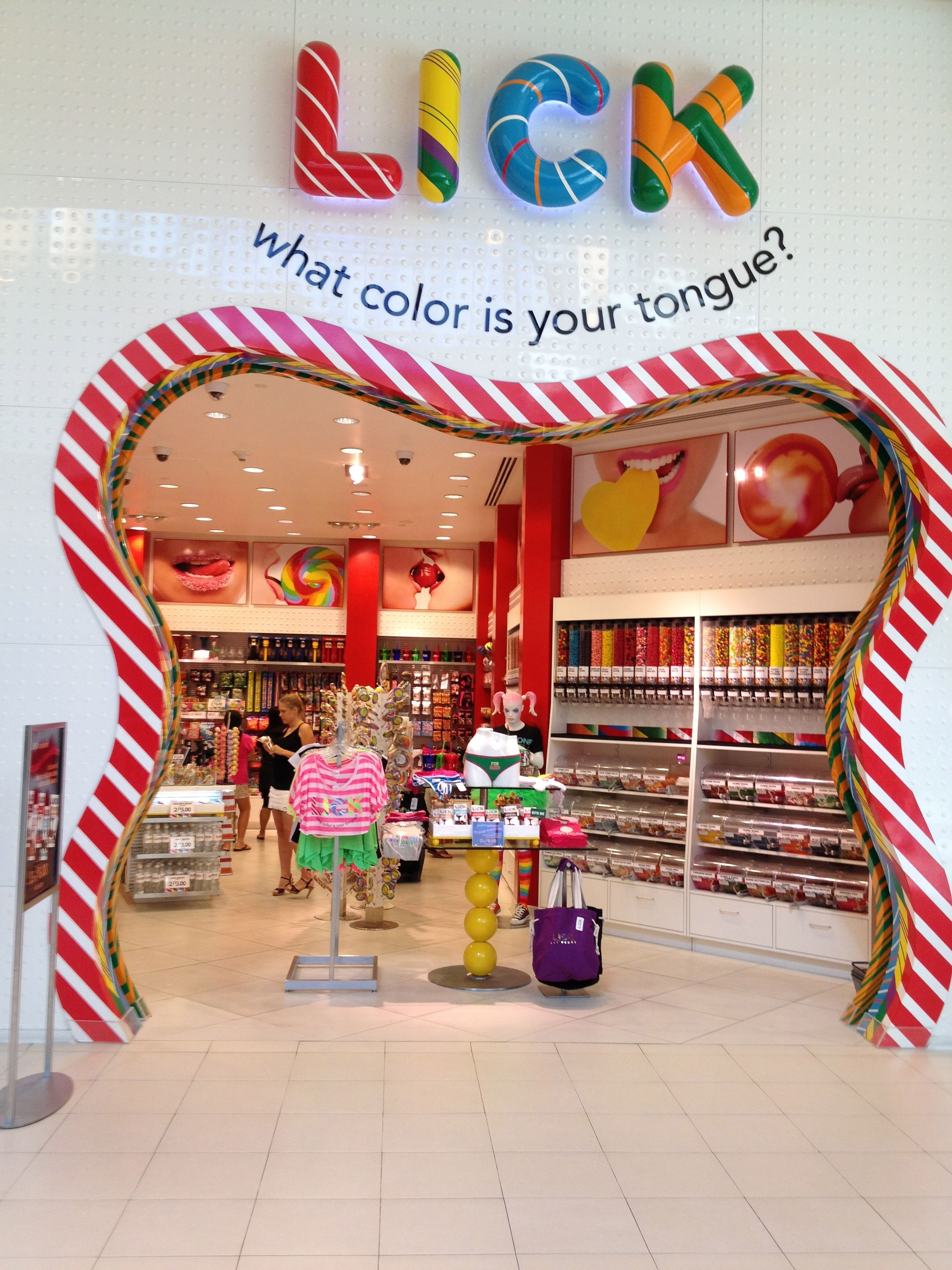 305ba7d7c6e I chose this image of a candy store in Vegas because the curved and  diagonal lines in the entrance give a lot of movement and is the emphasis.