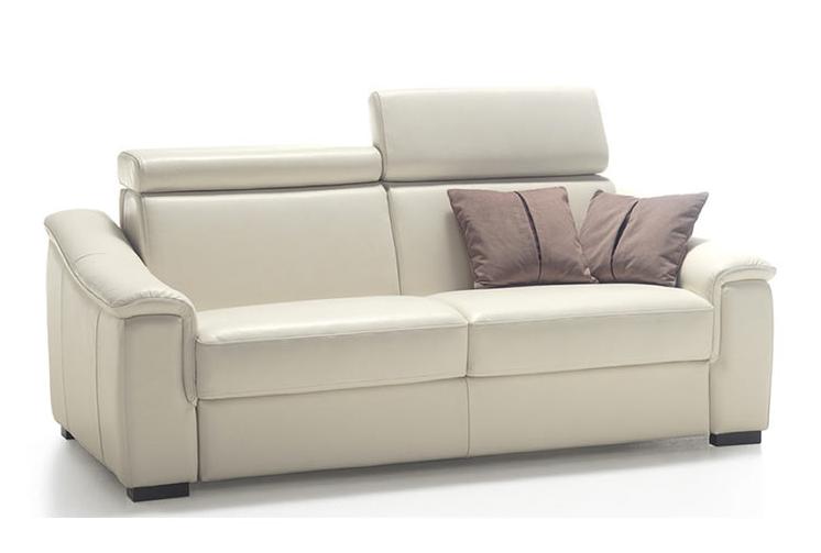 Divano letto ad una piazza e mezza modello Azzorre con materasso alto cm. 18, rivestito in pelle.  http://www.tinomariani.it/prodotti/divano-letto-azzorre.html