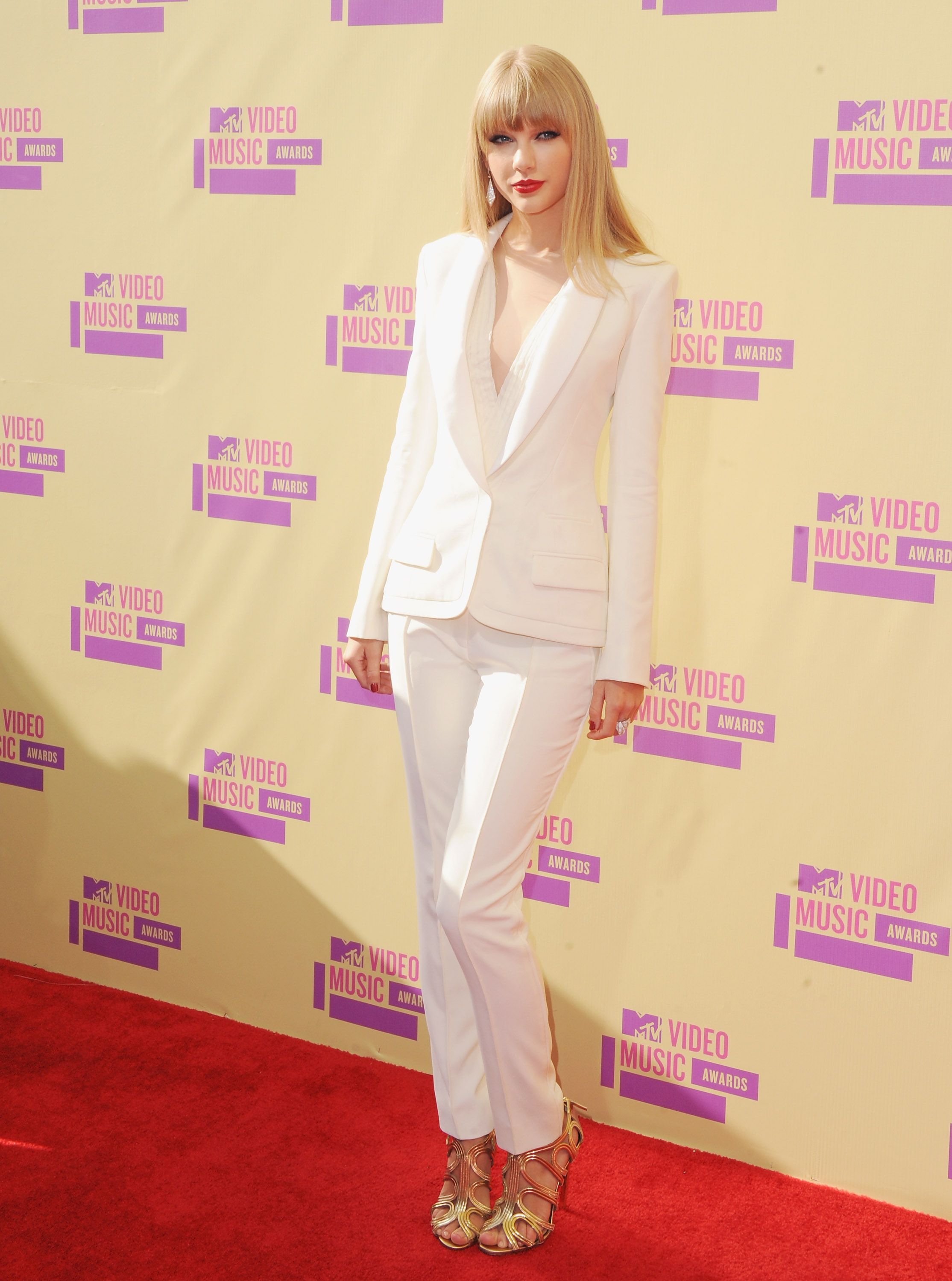 Taylor Swift on the Red Carpet at the MTV Video Music Awards #TaylorSwift #MTV #VMAinsider