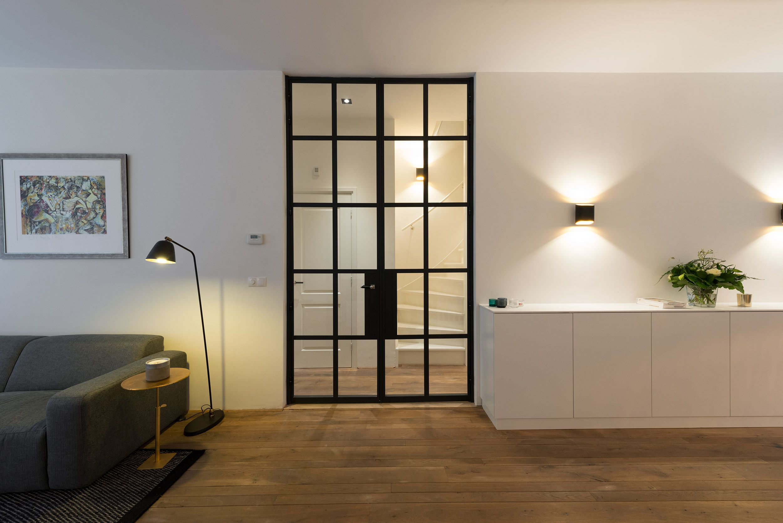 Dit woonhuis in Amsterdam is voorzien van prachtige deuren van ...