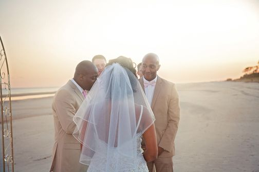 Wedding Photography by AMR Photography & Design www.amrphotodesign.com
