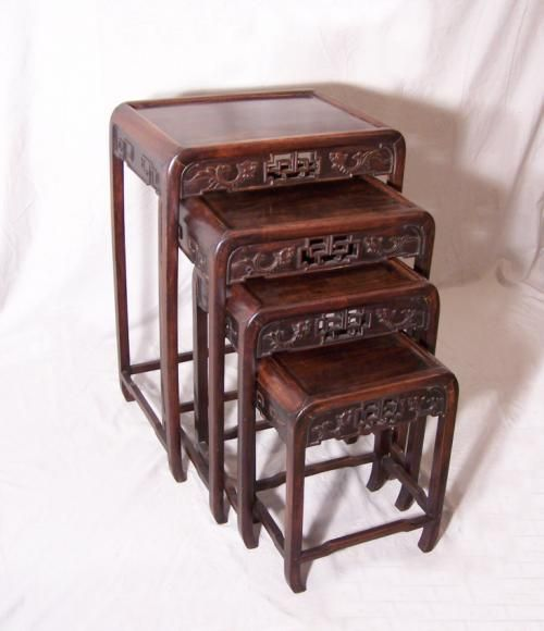 Charmant Antique Set Of Chinese Stacking Tables C1870