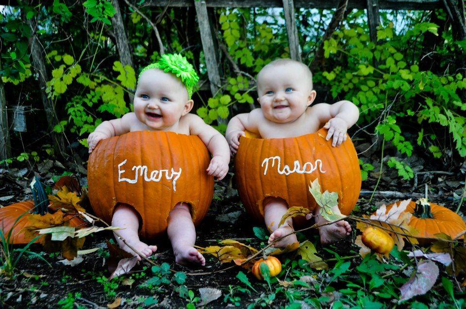 Fall Pumpkin Twins Photoshoot Ideas Halloween October