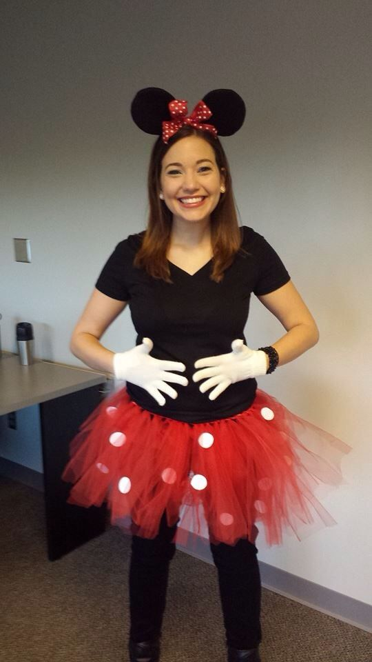 Easy Diy Minnie Mouse Costume Diy Red Tulle Tutu With White Adhesive Felt Circles Mouse