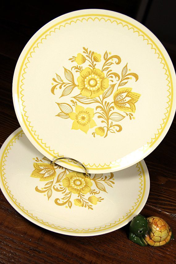 10 Dinner Plates Set Of 2 Jubilee By Royal By Sarahsmidcentury Dinner Plate Sets Plates Dinner Plates