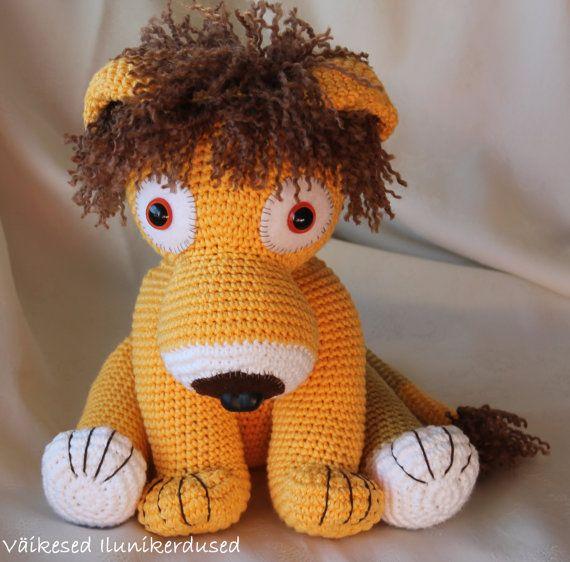 Amigurumi Lion Ragdoll Free Crochet Pattern | 562x570