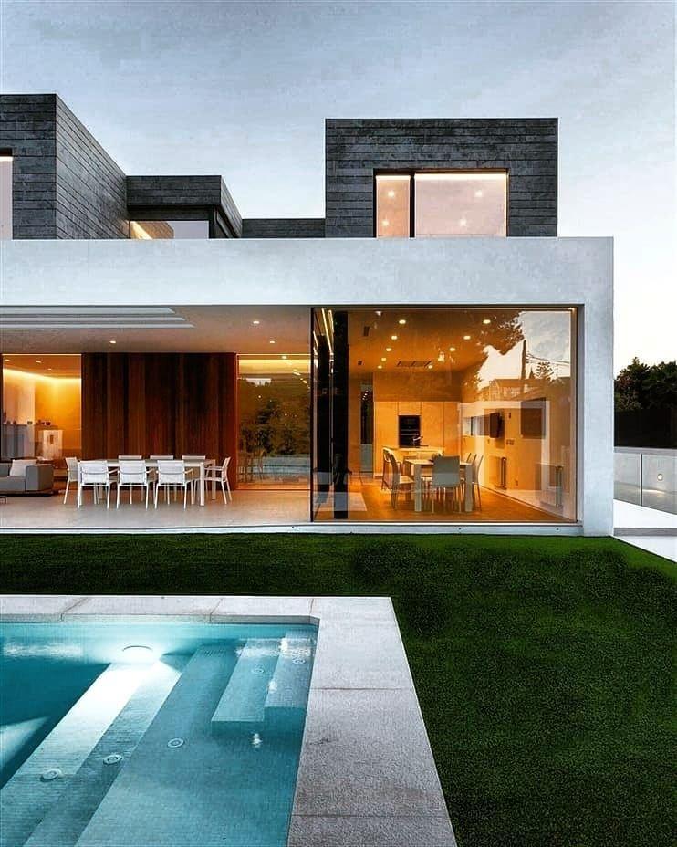 2 710 Likes 27 Comments Hᴏᴜsᴇ Iɴsᴘɪʀᴀᴛɪᴏɴ My House Inspiration On Instagram House Goals Rate It Follo In 2020 Modern House Modern House Design House