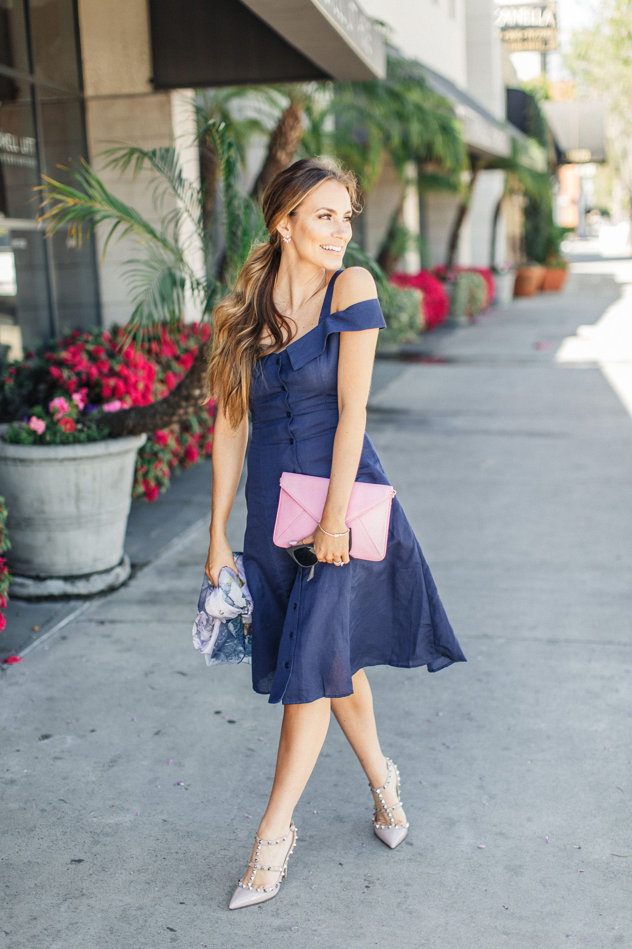 Old Hollywood Style | Navy blue dresses, Valentino rockstud and ...