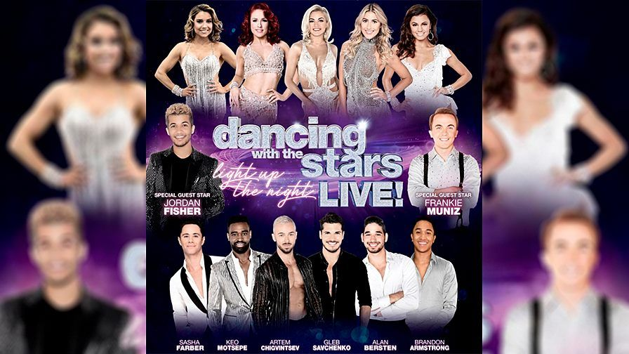 FOX NEWS: 'Dancing with the Stars' tour bus involved in deadly pileup in Iowa