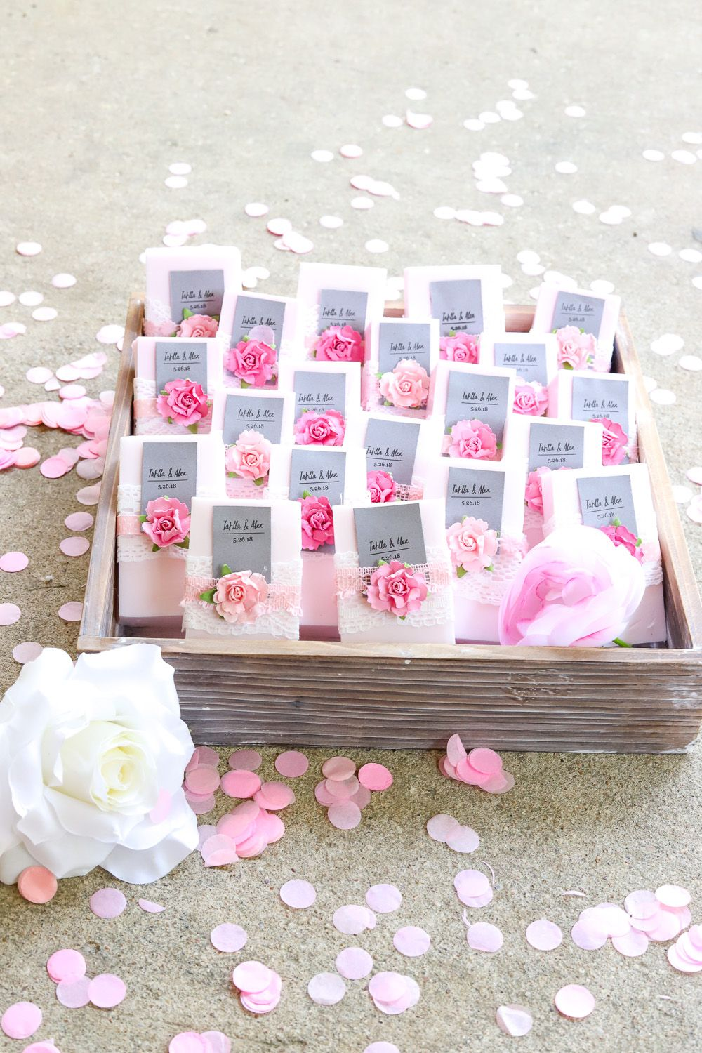 Easy DIY Wedding Favor: Personalized Soap | DIY wedding, Favors and Easy