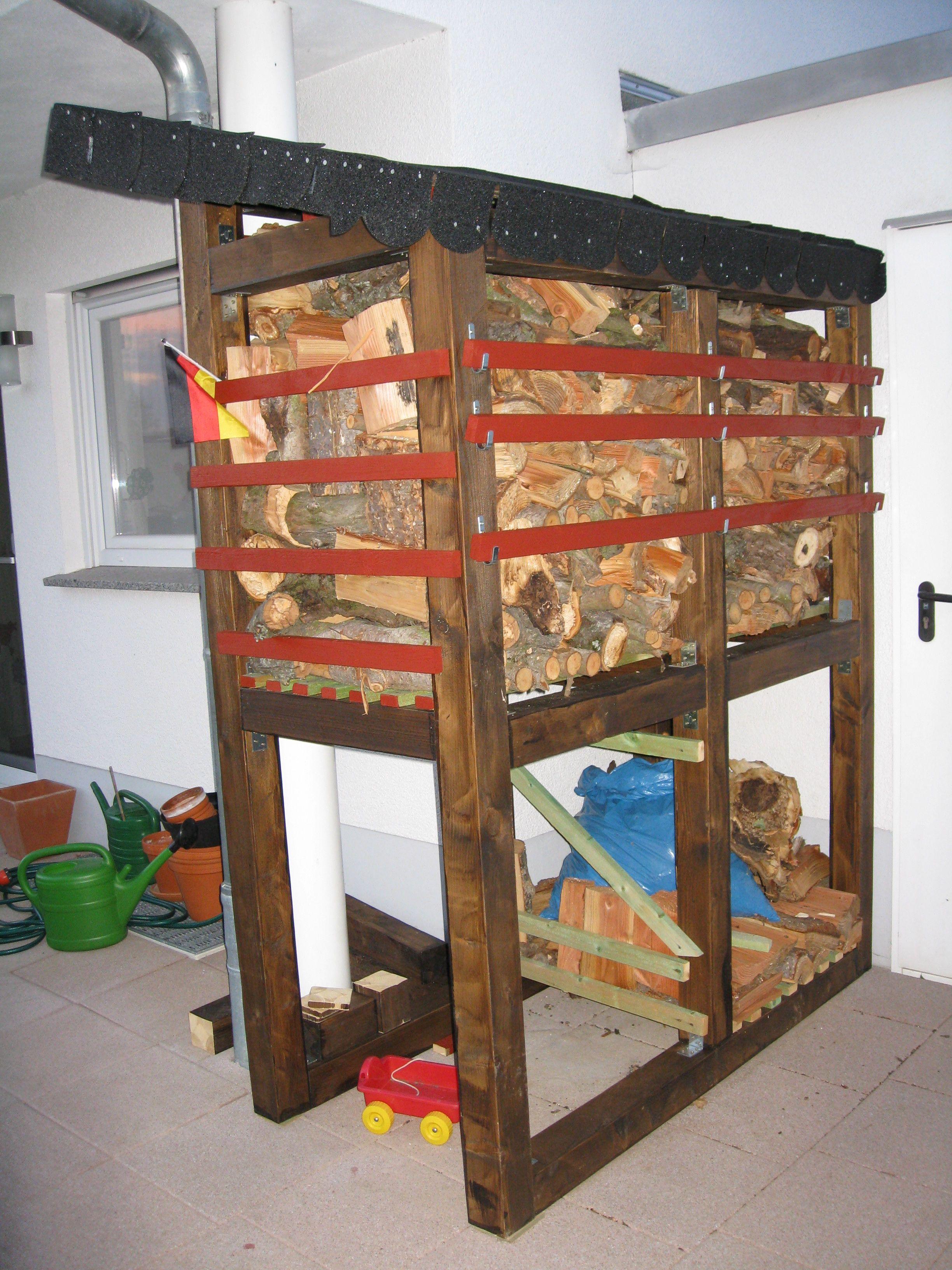 holzstapel f r brennholz bauanleitung zum selber bauen bank brennholz holz und bau. Black Bedroom Furniture Sets. Home Design Ideas
