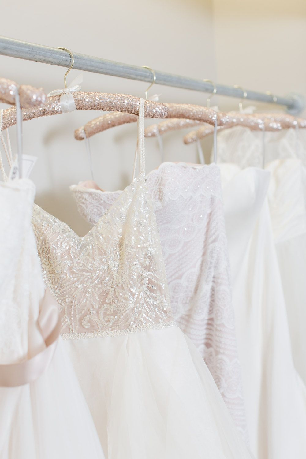 10 Beautiful Wedding Dress Hangers (With images) Pink