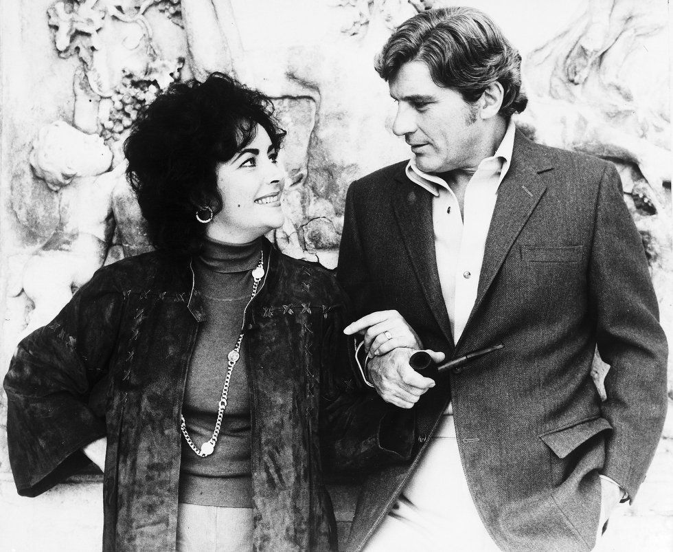 Elizabeth Taylor With Fiance John Warner In Vienna Austria Oct 9 1976 Where Taylor Is Filming T Elizabeth Taylor Elizabeth Taylor S Husbands John Warner