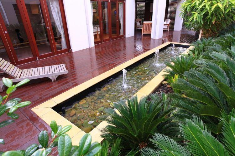 Jardin Feng Shui- idées sur les zones du Ba gua et 55 photos - terrasse bois avec bassin