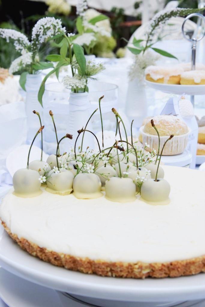 White Chocolate Cheesecake mit weißen Kirschen – Dessert-Rezept für ein Diner en blanc #allwhiteparty